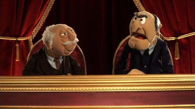 Statler og Waldorf – to kjente herremenn på balkongen i The Muppet Show.