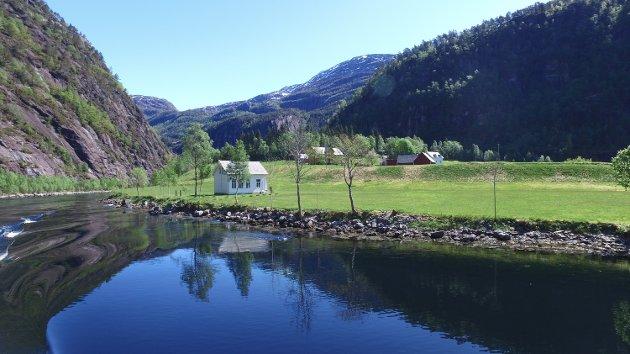 OPPDAG NORDHORDLAND: «Kystminister» Frode Nergaard Fjeldstad oppfordrar til å vera turist i eigen region. Bildet er frå Mostraumen.