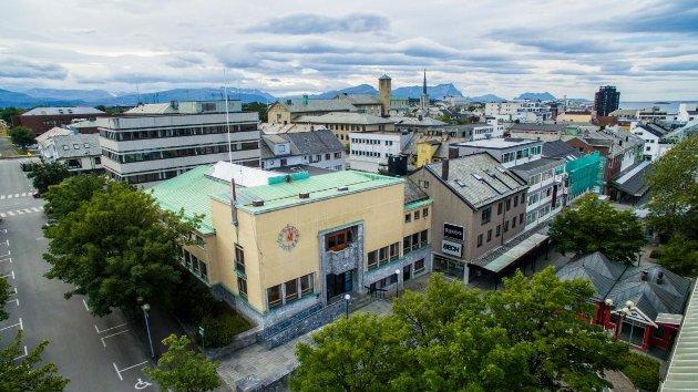 Bygget er med sin opprinnelige funksjon som bankbygg en markert bygning sentralt i sentrum, og bør derfor få en aktiv sentrumsfunksjon åpen for byens innbyggere.