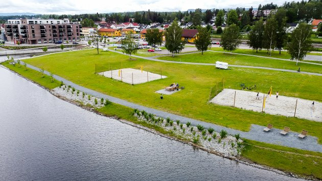 Fjordbyen Vikersund. Vikersund nord. Vikersund sentrum. Pollen. Volleyball. Friområde. Utbygging. Drone.