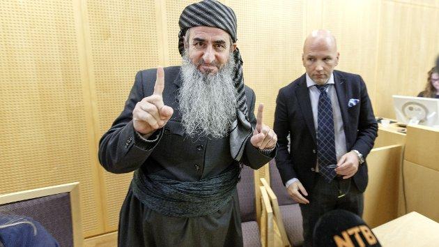 Mulla Krekar (t.v.) og hans advokat Brynjar Meling.