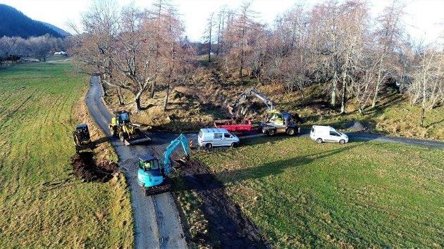 """Frå """"prosjekt fiber og vegutbetring"""" på Svanøy."""