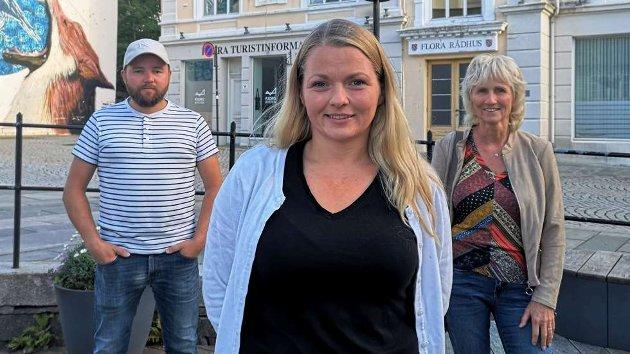 KOMMUNESTYREGRUPPA TIL KINN SV: Marie Øverås Jensen, Jon Valur Olafsson og Ingunn Frøyen er kritiske til prosessen rundt grendeskulane.
