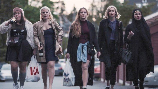–Skam er så truverdig og verkeleg at det nesten er skummelt. Mykje av det som skjer i serien, skjer også på ekte, skriv Matilde Ulleland Kvammen.