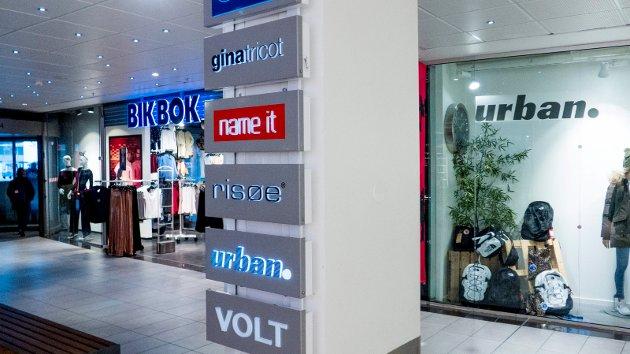 Shopping Torvbyen: Engelsk pressar seg på i firmanamn og, slik me ser døme på i Torvbyen.
