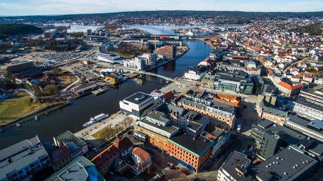 Sentrum, Værste, Blomstertorvet, Vesterelva, Kråkerøy, Bryggepromenaden, Bjølstad. Plassen må utnyttes, ifølge Steinar Frølandshagen.