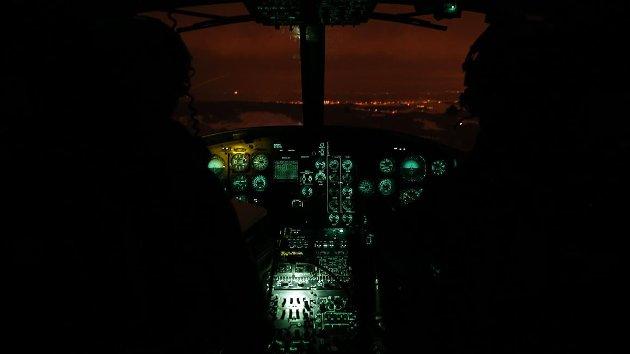 Det er viktig at Rygge blir en del av løsningen på våre sikkerhetspolitiske utfordringer,skriver Bengt Morten Wenstøb. Bildet viser et Bell 412SP-helikopter fra Rygges  339 skvadron under nattflyvning.