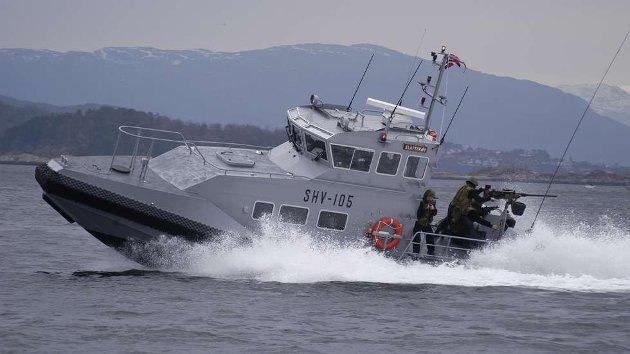 Sjøheimevernet på oppdrag i flerbruksbåten «Slåtterøy». – Sjøheimevernets jobb er et viktig ledd i norsk suverenitetshevdelse, og virker preventivt og forebyggende på mange måter, skriver Richard Lindstrøm.