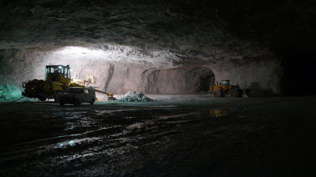 STORE VERDIER: En undersøkelse viser at potensialet for metall og mineralressurser i Nord-Norge er på rundt 2.500 milliarder kroner. Illustrasjonsfoto fra Franzefss Minerals i Ballangen