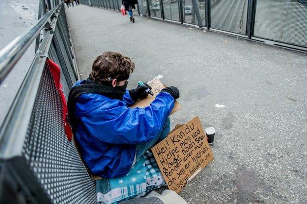 - Det er ikke ulovlig å være fattig. Det skal være lov å be om hjelp, mener Venstres Terje Kongsrud.