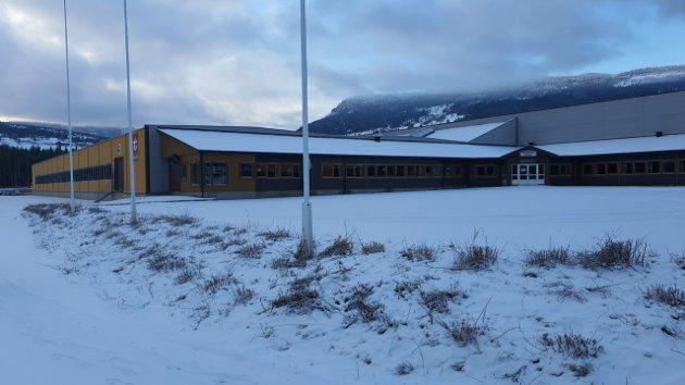 NORD-FRON: Tinde–gruppen planlegger å kjøpe Talgø-bygget på Vinstra.  De tre midtdalskommunene har fått invitasjon til å bli med som minoritetseiere i eiendomsselskapet. Er det forsvarlig av en kommune, spør innsenderen.