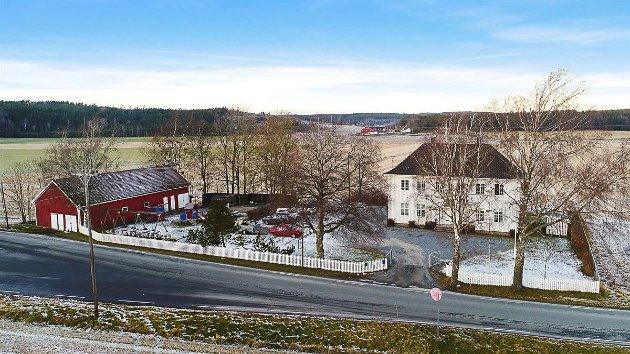 Menighetshuset i Berg ved Berg kirke er til salgs.