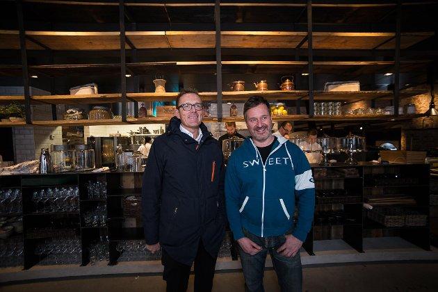 SPENTE: Eierne Tor Rullestad og Ulf Bakke kan endelig ta i mot gjester. (Foto: Jo E. Brenden)