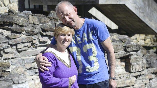 KJÆRLIGE: Torunn Meyer og Geir Moen gifter seg på middelaldersk vis i helga.        Foto: Jan Morten Frengstad