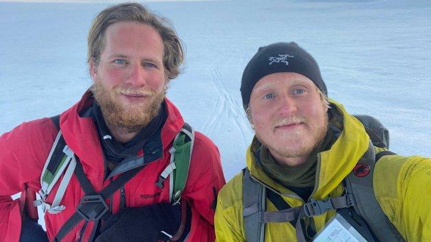 Markus Bjørkli Jansen og Nore Rystad skal stå på vannski over Magerøysundet.