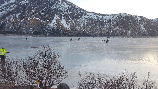 Isfiske og skøyter på Sortvannet