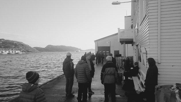 Fra en vakker dag da båten gikk og folk slapp å returnere fra kaia med uforrettet sak.