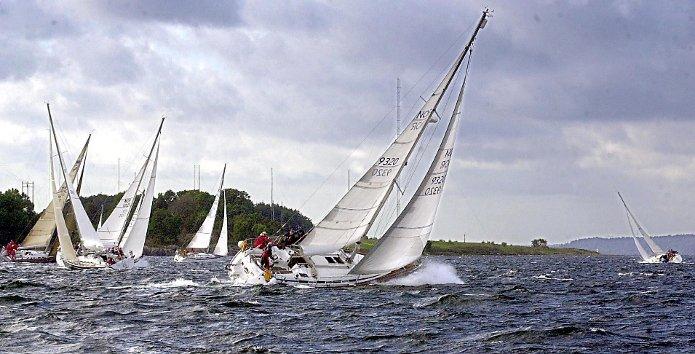 Heftig seilas: Farvannet ved Moss byr på vind og ypperlige forhold for seiling.