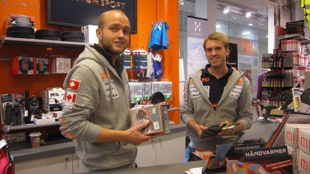 2011: På Anton sport på Amfisenteret i Moss registrerte man et stort oppsving i salget av brodder. Både vanlige brodder og joggebrodder var populært denne vinteren. F.v Jonas Holtet og Joakim Skarsem Pedersen.