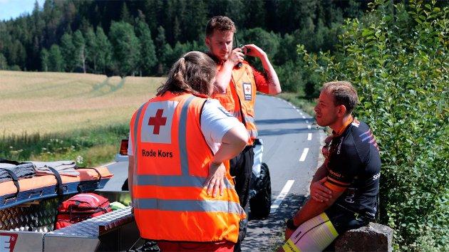 Til stede: Røde Kors er klare tl å hjelp og bistå dem som trenger det.