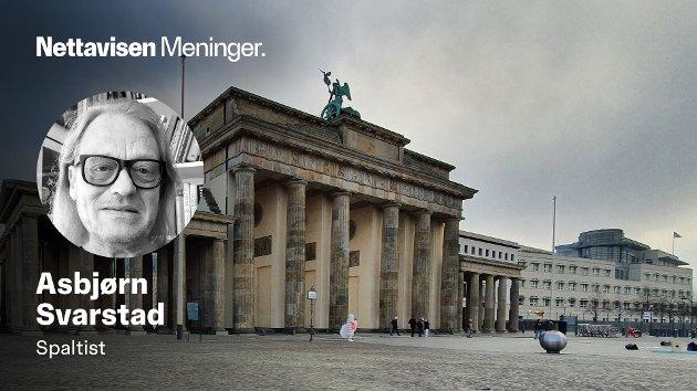 Den amerikanske ambassaden ved Brandenburger Tor i Berlin var (og er?) et sentrum for avlytting av telefoner. Den runde innretningen på taket skal inneholde avansert teknikk for å kunne plukke opp og avlytte et stort antall viktige folk.