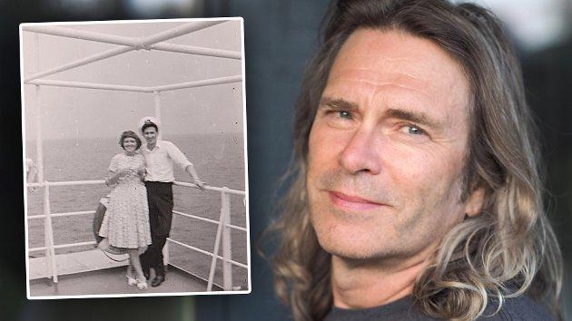 Jon-Willy Rydningen med et bilde av sine foreldre - to av dem av tenker på når han hører og synger Nordnorsk julesalme.