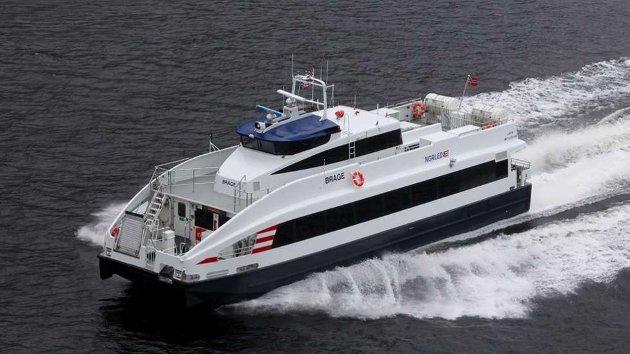 En hurtigbåt som skal krysse både Lyngen og Kvænangen må tåle normalt vintervær. Det er ikke tilfelle for MS Brage som trafikkerer til Nord-Troms i dag, skriver Tor Nygaard.