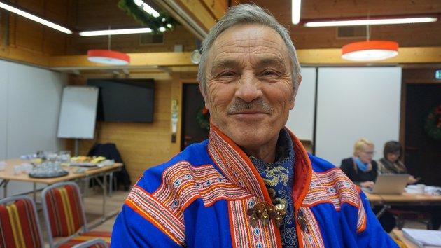 En «lokalbefolknings» eierrett til et tradisjonelt samisk område kan med andre ord bare aksepteres i den grad lokalbefolkningen formelt smelter sammen med samene som folk, skriver Nils Thomas Utsi.