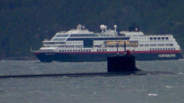 Virginia-klasse atomubåt anløper Malangen