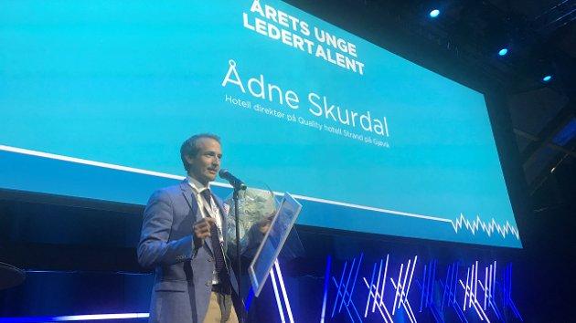 UNG LEDER: Ådne Skurdal ble i 2018 hyllet som Årets unge leder i NHO Reiseliv. Framover må enda flere unge ledere rekrutteres og dyttes fram.