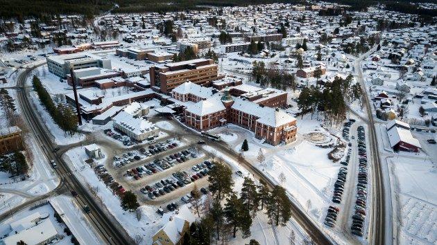 AKUTTSYKEH Fe, avdelingssjefer for prehospitale tjenester i Innlandet mener hovedsykehuset må legges til Moelv og akuttsykehuset til Elverum.