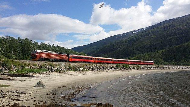 Nå har vi jernbane i Nord-Norge, den er cirka 70 mil lang og går mellom grensa Nordland og Trøndelag til Fauske, skriver Gustav Arne Nyborg i leserbrevet.