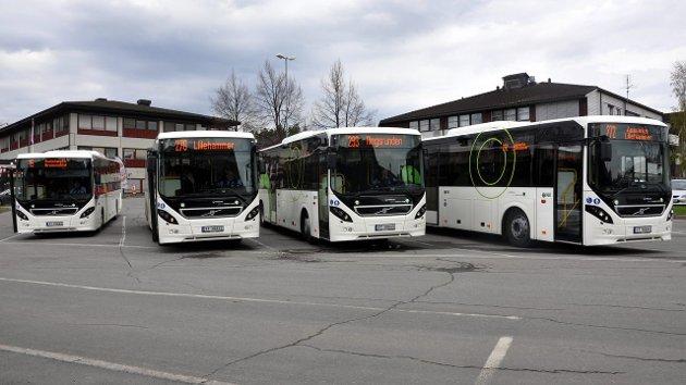Busstrøbbel: Innsender er lite imponert over at bussene som skal gå til Gjøvik ikke rekker å kjøre oppom Moelv Skysstasjon.