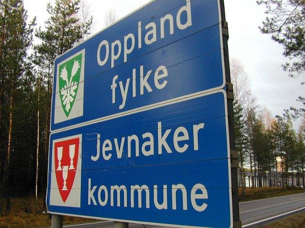 Ketil Solvik-Olsen skriver i dette leserinnlegget at Jevnakers bompengevedtak har forsinket prosessen med ny vei.