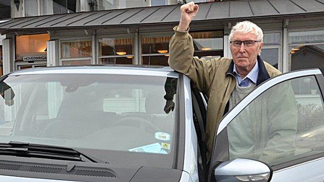 Olaf Høie i Senior Norge har kjempet flere slag for eldre i Sandnes. Dette bildet er fra en tidligere anledning. Nå reagerer han mot nye planer.