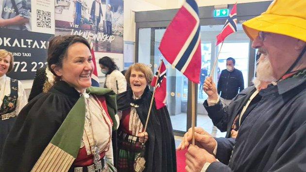 Anja Cecilie Solvik ankommer Kristiansund lufthavn Kvernberget dagen etter at regjeringsplattformen ble presentert.