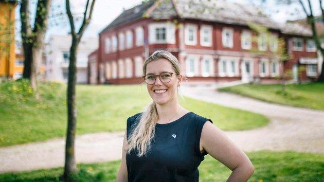 Mange er ensomme, særlig eldre. Heldigvis er det mange frivillige som gjør en stor innsats for andre, skriver Christine Agdestein (bilde) og Trond Ole Svenkerud.