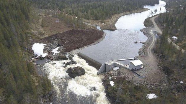 Storåselva:Det nye kraftverket i Storåselva i Snåsa har kostet 330 millioner kroner å bygge og tatt over 11 år å ferdigstille.  FOTO: NTE/CAMERAT