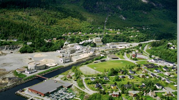 Det er 200 industriarbeidsplasser langs Follaelva, ifølge forfatterne.