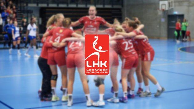 Elisabeth Hammerstad (midten).  LHK - Oppsal-2  23-21.