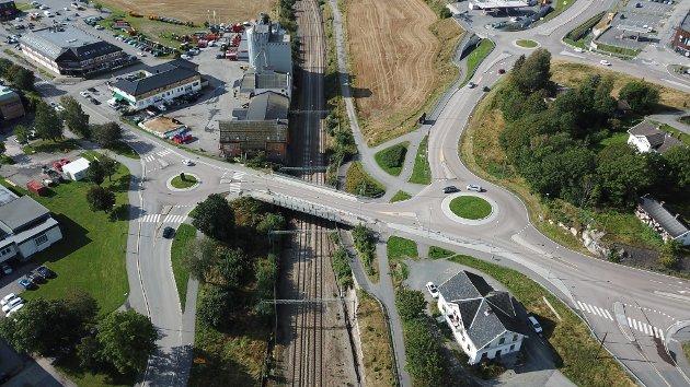 TAR FEIL: Hans Olav Nyborg skriver i dette leserbrevet at Vestby-politikerne bommer stygt når de tror at det blir lite kø når sentrumsbroen blir stengt.