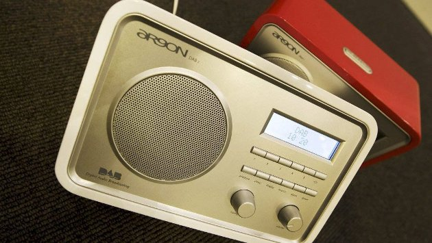DAB for de «unge»: Musikk på DAB-radioen og reklame på mobilen, «padda» eller på TV-en har ofte målgruppe mellom 15 og 40 år. Men hva med dem som er passert 40 år, funderer Fossen om i denne spalten.Illustrasjonsfoto