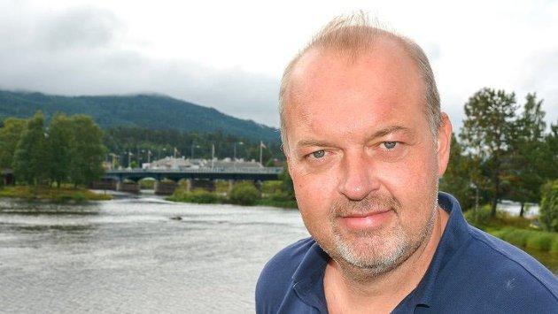 SPENNENDE: Redaktør Knut Bråthen mener det går mot et av de mest spennende valgene i Modum på lenge.