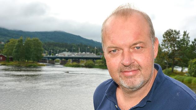 Knut Bråthen er ansvarløg redaktør og daglig leder i Bygdeposten og Eikerbladet.