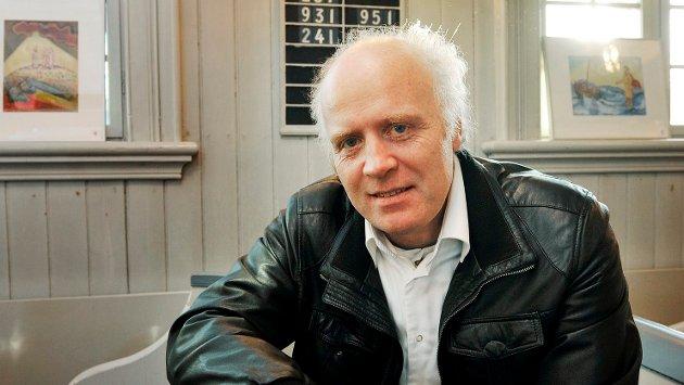 SVARER PÅ KRITIKKEN: Kunstmaler Olav Leikanger anmeldte utstillingen «Når nåtid møter fortid» for Drammens Tidende, og fikk kritikk fra lederen i Drammen Kunstforening fordi han selv hadde søkt om å få stille ut på utstillingen. Her svarer han på kritikken.
