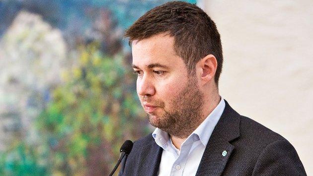 LOKALPOLITIKK: «Politikk handlar om å villa noko og om å prioritera. Fleirtalskameratane i kommunestyret prioriterte ned Undheim og tenester nær folk, då er det ufint å skulda på andre», skriv Geir Pollestad.