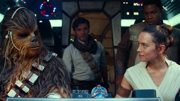 SKUFFENDE: Star Wars går ikke ned med flagget til topps.