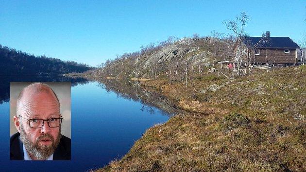 Ordfører Geir Waage (Ap) skriver i leserbrevet om den omstridte hytta i Grønfjelldal.
