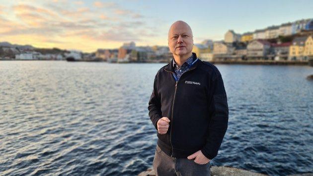 Når Tor Johansen har slike sterke meninger om KNHs ve og vel, hvorfor tar han ikke kontakt for å få avklart en del informasjon før han smører halvsannheter sammen til flere hele usannheter, spør Knut Mostad.