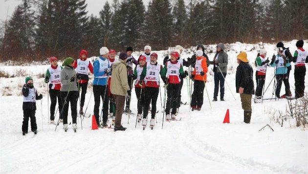 TRADISJONSRIK TUR: Det tradisjonsrike Avfetningsrennet på Jordbru ble arrangert for 42. gang andre juledag. Omtrent 50 deltagere stilte til start.